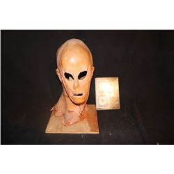 HOLLOW MAN SCREEN USED MASK KEVIN BACON 4