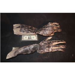 CREATURE ALIEN DEMON ARMS WITH HANDS WEARABLE MATCHED PAIR 8