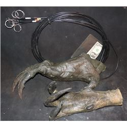 CREATURE ALIEN DEMON ANIMATRONIC CLAW HANDS ONE WITH CABLES ATTACHED