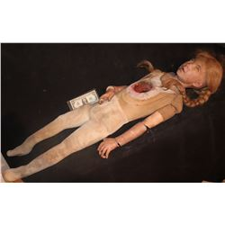 THE 6TH DAY SIMPAL CINDY SCREEN MATCHED DOLL THAT GETS SHOT