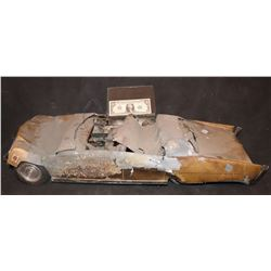 ZZ- KING KONG 1976 CRUSHED AND BURNED LARGE SCALE MINIATURE LEAD CADILLAC