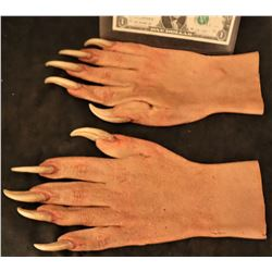X-MEN SABRETOOTH SCREEN USED HERO STAGE 3 RESIN CLAWS ON SILICONE GLOVES