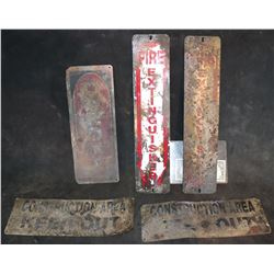 SIGNS WEATHERED METAL FROM UNKNOWN PRODUCTION