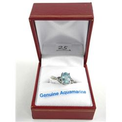 (BB25) Ladies 18kt Gold Fancy Ring Oval Aquamarine