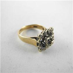 Estate 9kt Gold Ring. Size 6.5 4.4gr