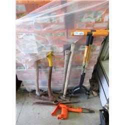 9 Assorted Garden Tools