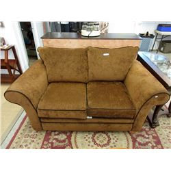 6 Foot Fabric Upholstered Love Seat