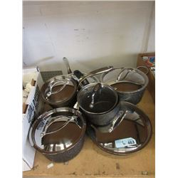 6 Pieces of Assorted Cookware