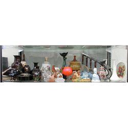 Shelf Lot of Assorted Decorative Goods