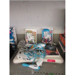 Wii Machine with Controllers & Games