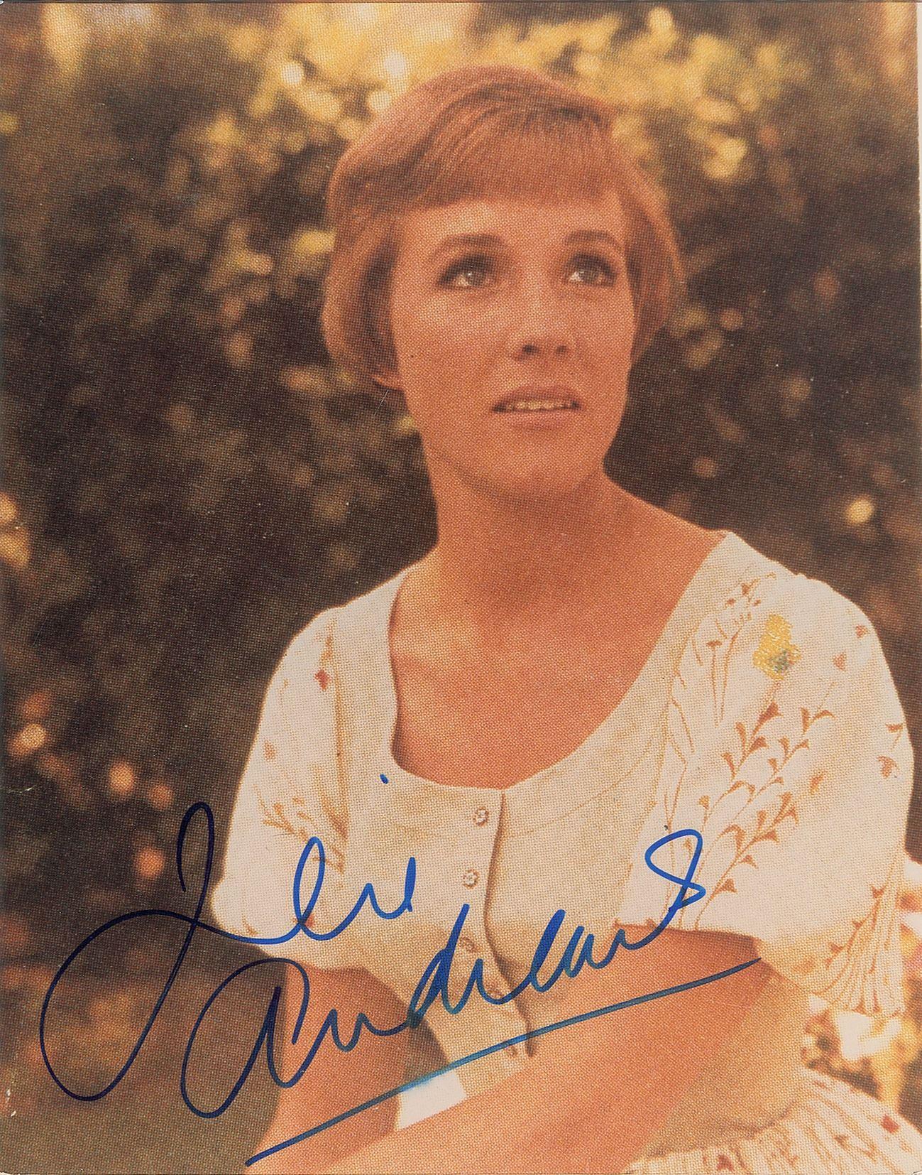 Julie Andrews Autograph Signed 8 x 10 Photo