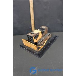 Small Tonka Bulldozer with Rubber Tracks