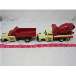 TOY DUMP TRUCK AND CEMENT MIXER (MIXER MISSING FRONT WHEELS)