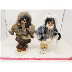 """LOT OF 2 DOLLS (TRADITIONAL ABORIGINAL CLOTHES) *REAL FUR AND LEATHER* (COME WITH STANDS) *13"""" TALL*"""