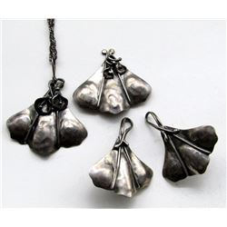 MATCHING SET OF STERLING NECKLACE/PENDANT,