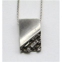 STERLING NECKLACE WITH SQUARE PENDANT