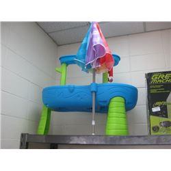 USED STEP 2 RAIN SHOWERS SPLASH POND WATER TABLE