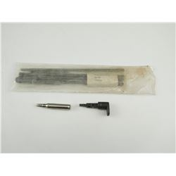 ASSORTED M16 RIFLE CLEANING RODS AND PARTS