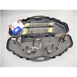 CHAMPION BOW COMPANY COMPOUND BOW AND CASE WITH ARROWS