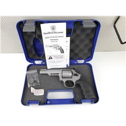 SMITH & WESSON , MODEL: 69 COMBAT MAGNUM  , CALIBER: 44 MAG