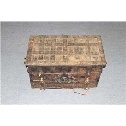 19LF-1 SPANISH STYLE TREASURE CHEST
