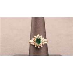 19RPS-20 EMERALD & DIAMOND RING