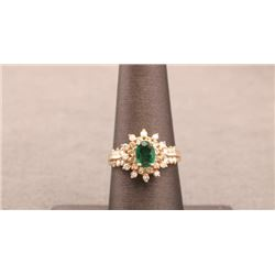 19RPS-20 EMERALD & DIAMOND RING