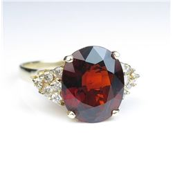 19CAI-34 GARNET & DIAMOND RING