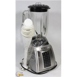 BLACK AND DECKER HIGH POWERED BLENDER WITH HAND