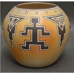 HOPI INDIAN POTTERY JAR (IRIS NAMPEYO)