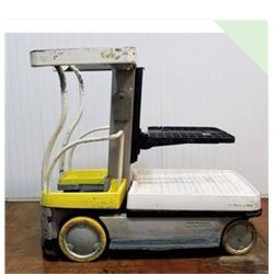"""Crown Wave Order picker Built in charger 84"""" platform"""