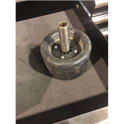Pneumatic wheel for sanding sleeves