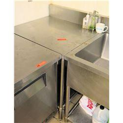 "Stainless Steel Prep Table Corner Unit w/ Backsplash 32""x22.5""x35"""