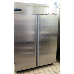 "Hoshizaki CR2B-FS Commercial 2-Section Upright Refrigerator 55"" x 33.5"" x 79.5""H"