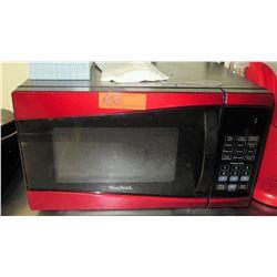 Red West Bend Countertop Microwave, Model EM925AJW-P2