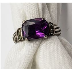 MODERN STERLING RING W/ LARGE PURPLE CNTR