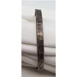 ANTIQUE STERLING BANGLE WITH CIRCULAR