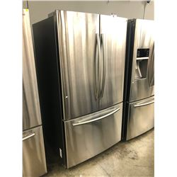 "SAMSUNG 36"" WIDE DOUBLE DOOR FRIDGE/FREEZER COMBO WITH ICE MAKER MODEL RF26HFENDSR"