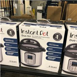 INSTANT POT 8 IN 1 MULTI USE PROGRAMMABLE PRESSURE COOKER