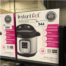 INSTANT POT 7 IN 1 MULTI USE PROGRAMMABLE PRESSURE COOKER