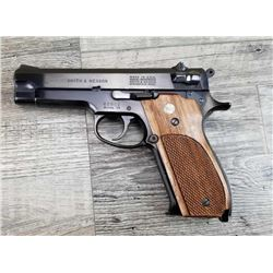 SMITH  WESSON MODEL 39