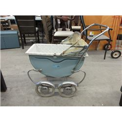 "Vintage Quality 1950s ""Gordon"" Doll Carriage Pram"