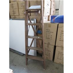 6 Foot Wood Step Ladder