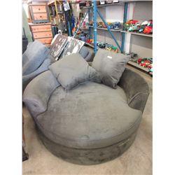 New Stylus Green Fabric Cuddler Chair