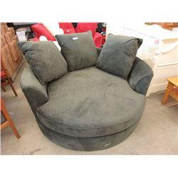 New Stylus Green Chenille Cuddler Chair