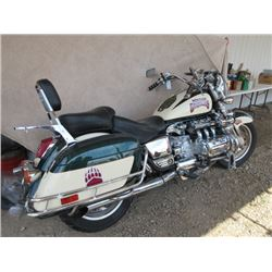 1999 Honda Valkyrie F6 GL 1500 Motorcycle- 1500CC-91712 Miles- Lots of Extras and Chrome