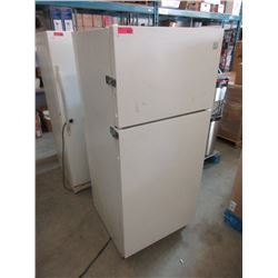 Kenmore Refrigerator with Top Mount Freezer