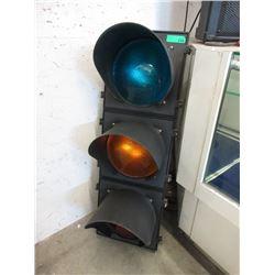 """42"""" Tall Industrial 3 Lens Traffic Light"""