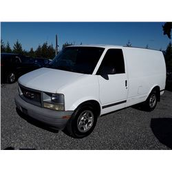 "A8 --  2004 GMC SAFARI XT , White , 323529  KM's ""NO RESERVE"""