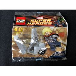 LEGO 30163 Marvel Super Heroes THOR and The Cosmic Cube Polybag Pack